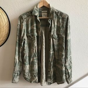 AMERICAN EAGLE camo shirt military stay lovely S
